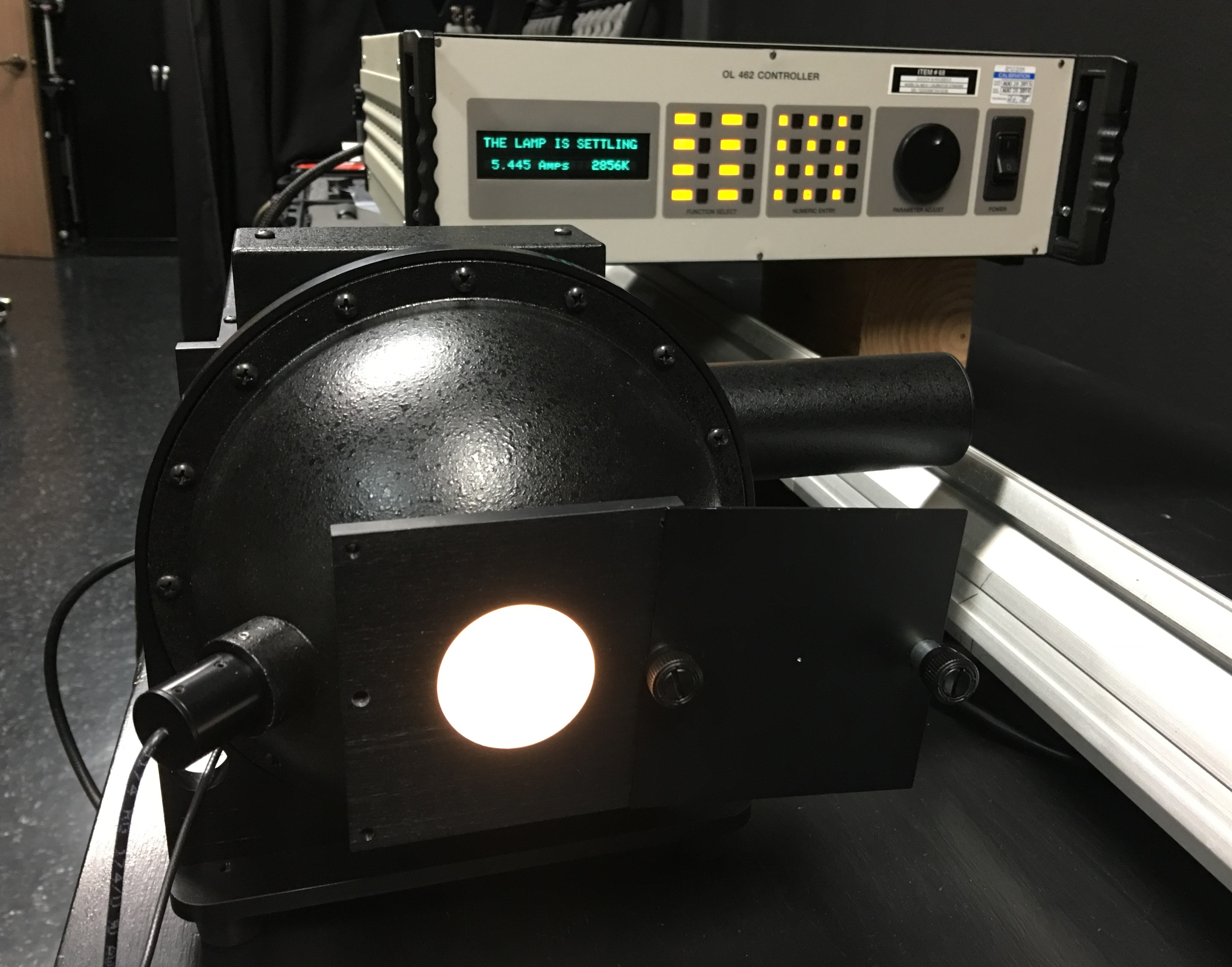 An integrated sphere, used to calibrate color temperature.